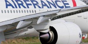 Air france-klm reduit ses pertes au t2, les reservations s& 39 ameliorent