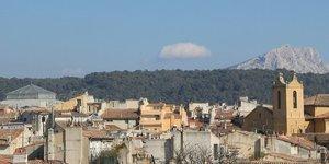 Aix-en-Provence, ville, montagne Sainte-Victoire