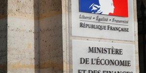 Bercy juge & 34 excessif& 34  le chiffre des suppressions d& 39 emplois annoncees par airbus