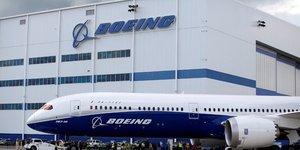 Boeing mise sur l& 39 ouvrier bionique pour sortir plus de dreamliner