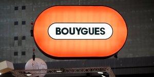Bouygues releve ses previsions pour le 2e semestre apres une forte reprise au 3e trimestre