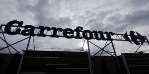 Carrefour ralentit fortement au 1e trimestre, recul des hypers en france