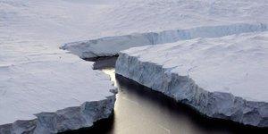 """Climat: pekin deplore un """"revers mondial"""" apres la decision de trump"""