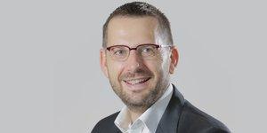 D Laurent, DRH de Schneider