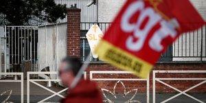 Europeennes: cgt et cfdt appellent a faire & 34 barrage a l& 39 extreme droite& 34