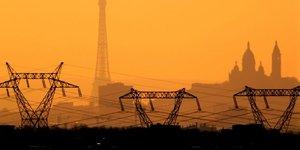 France, ElectricitE, lignes A haute tension, Energie, pylones, tour Eiffel, sacrE-coeur, EDF,