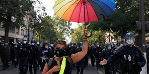 France: journee test avec la manifestation des gilets jaunes