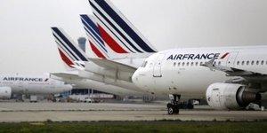 Jean-marc janaillac propose aux pilotes de faire une pause dans leur greve