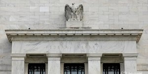 La fed vise desormais 2023 pour le debut de la hausse des taux