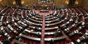 Le senat propose une cotisation obligatoire pour financer la dependance
