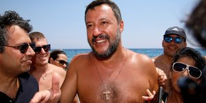 Salvini, Ligue, Italie, Sicile, tournée des plages,